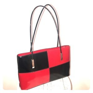 Handbags - Retro Red & Black Color-block Patent Handbag 👜